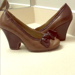 Fly girl/fly London wedge heels with bow size 7